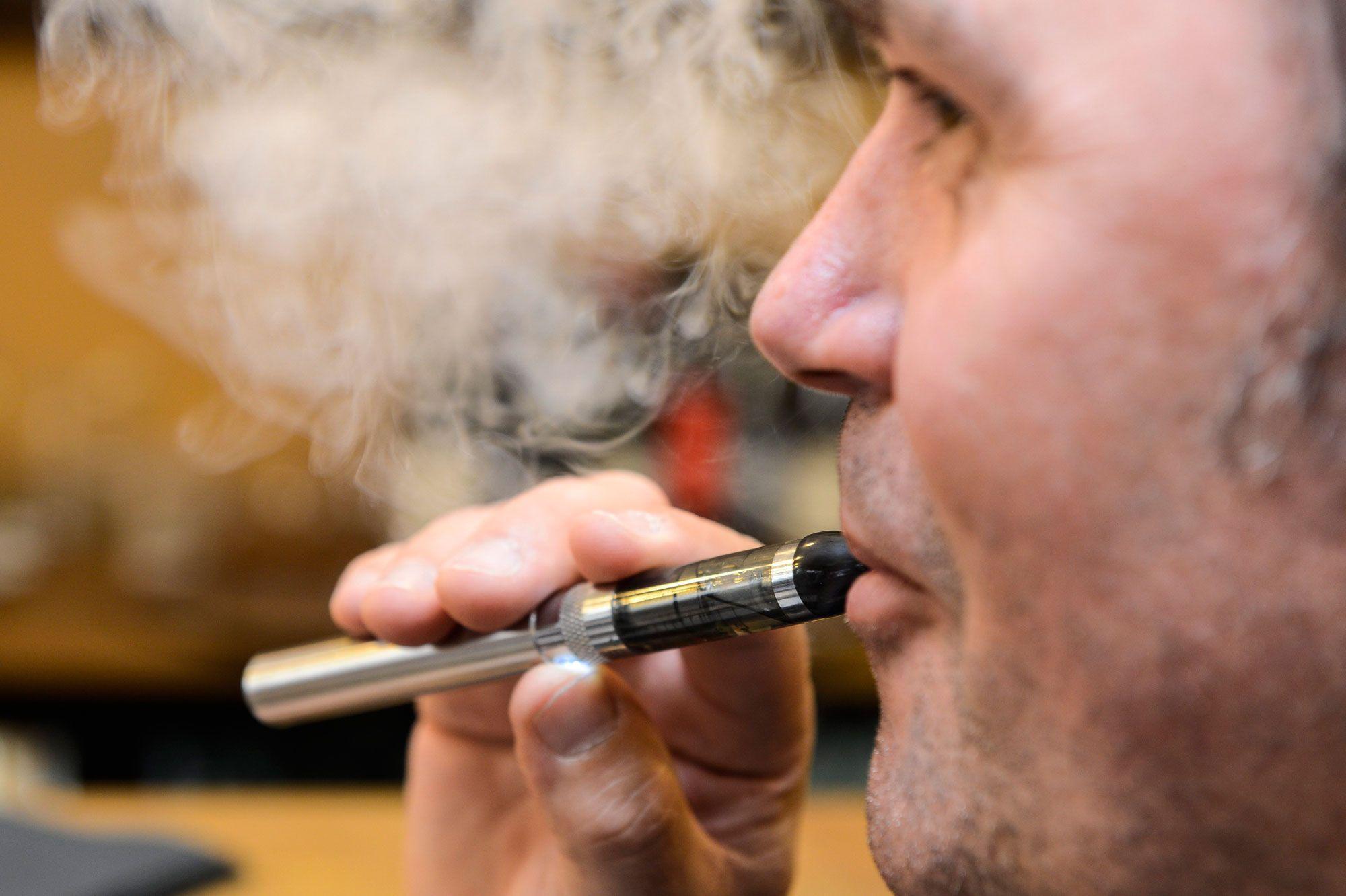Cigarette électronique : quelles sont les consignes à donner pour un vapoteur débutant ?